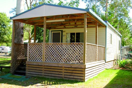 Smugglers Cove Holiday Village : Cottage 36 & 37