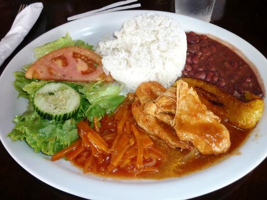 Restaurante BBQ Tres Hermanas: Plato Fuerte