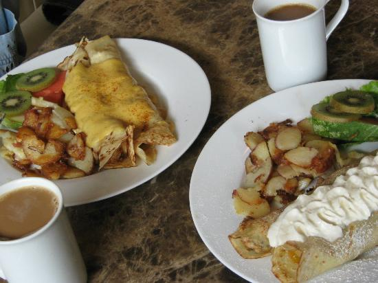 Driftwynd Bistro: Crepes for Breakfast? Or Valley Bowls, Farmer's Sausage and Classics.