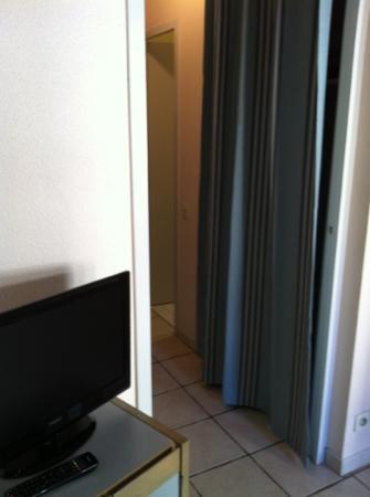 Residence Couleurs Soleil: entrée studio 