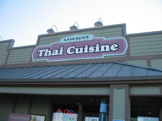 Sawadee Thai Cuisine: Entrance to Thai Cuisine