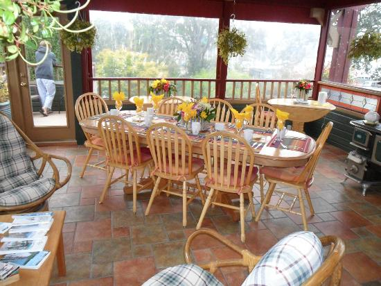 Across the Harbour Bed and Breakfast: common dining area- opens up as a deck when weather is nice