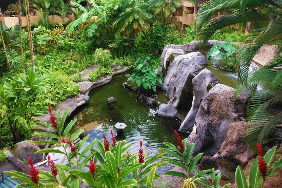 Paki Maui Resort: Inside Garden area.