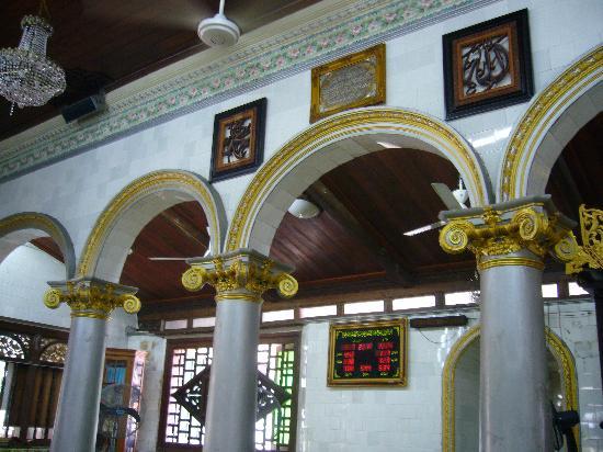 Kampung Kling Mosque: 威厳はあります