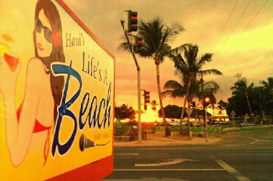 Haui's Life's A Beach