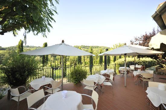 Hotel Sovestro: Brekfast area