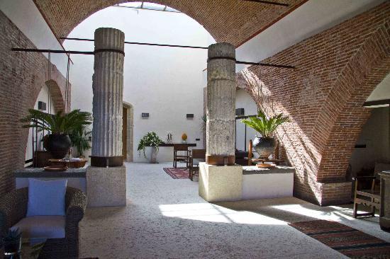 Delser Manor House Hotel: lounge