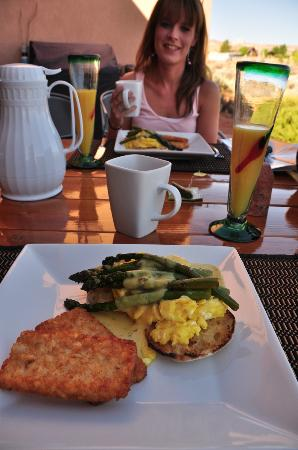 Dreamkatchers Lake Powell Bed & Breakfast: Wonderful breakfast!