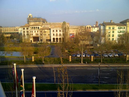 City Lodge Hotel Fourways: Early morning picture from my balcony on the 2nd floor:)