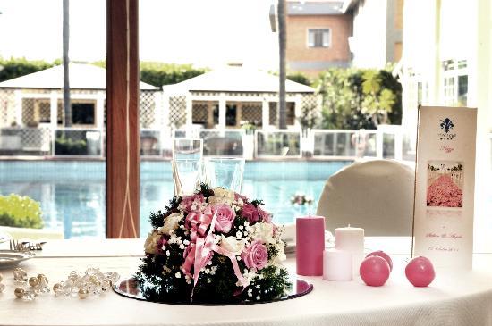 Hotel I Gigli: DETTAGLI SALA RISTORANTE