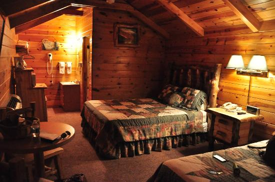 Bryce Canyon Country Cabins: Interior