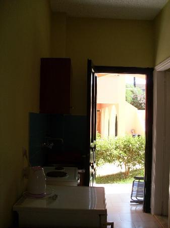 Koursaros Apartments: From room