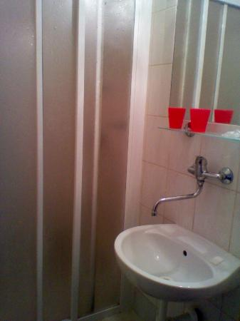 Hotel Turist : another pice of bathroom