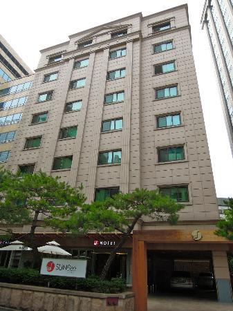 Hotel Sunbee: Front