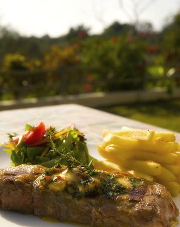 The Palm Restaurant : Enjoy your meal overlooking the Spray of the Victoria Falls