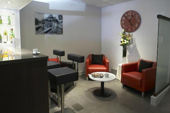 Kyriad Lille Centre - Gares: COIN SALON