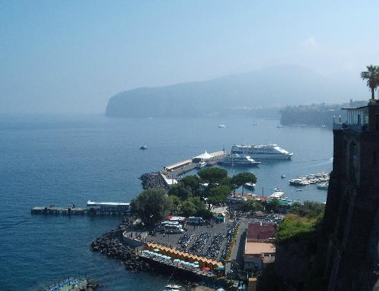 Hotel Iaccarino: Sorrento Port from Town