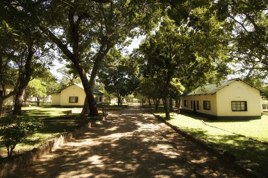 Victoria Falls Rest Camp & Lodges: Lodges