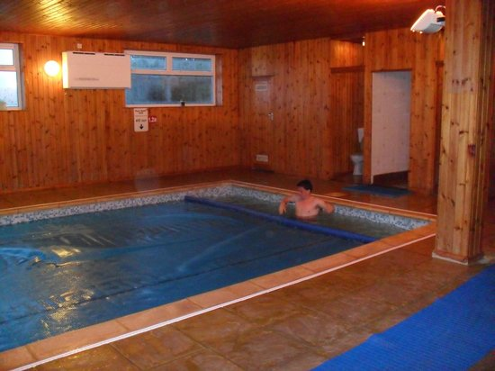 Mettaford Farm Holiday Cottages: Heated pool