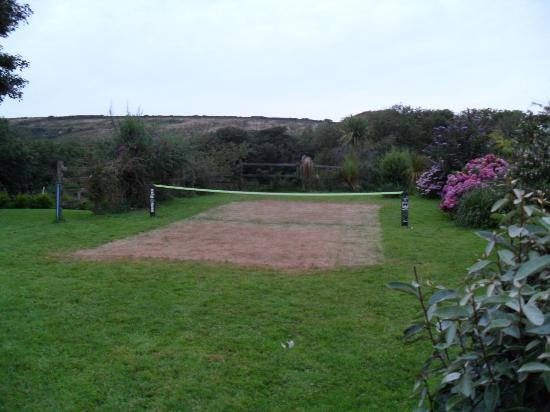 Mettaford Farm Holiday Cottages: Tennis