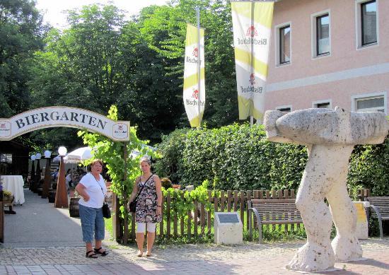 Bad Abbach, Deutschland: Eingang zum Biergarten