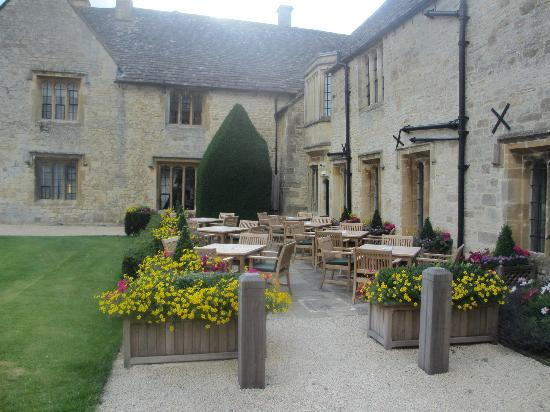 Ellenborough Park: Outdoor tea and dining