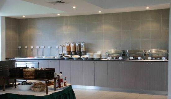 Olive Tree Leura Restaurant: Daily buffet breakfast