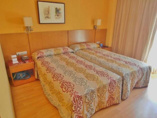 Senator Granada Spa Hotel: Excelente, muy limpia y confortable.