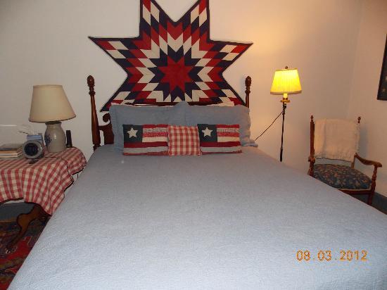 Inn at Monticello : Blue Room