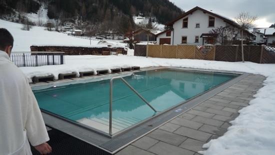 Hotel Riederhof: piscine extérieur