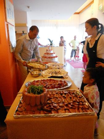 il buffet dell'Hotel Senigallia