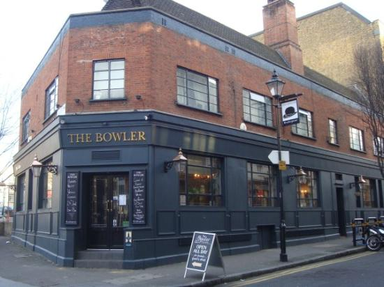 The Bowler Pub and Kitchen : Bowler Pub Outside