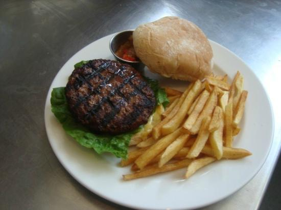 The Bowler Pub and Kitchen : Bowler Classic Burger