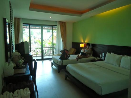 Sunrise Tropical Resort: sweet room!
