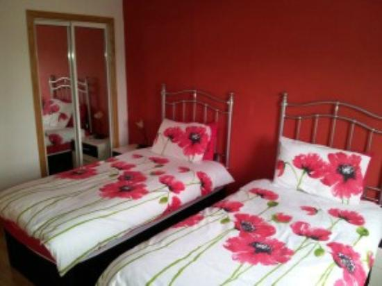 Acer Guesthouse: Bedroom 2