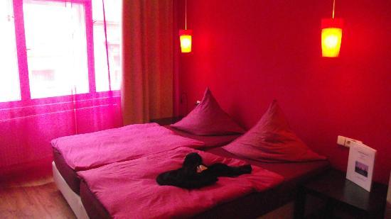 Hotel PurPur: Letti