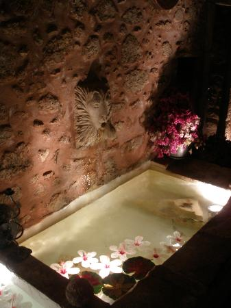 Veneto Boutique Hotel: Fountain