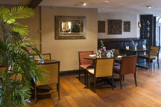 Premier Inn Leeds East Hotel: Thai dining
