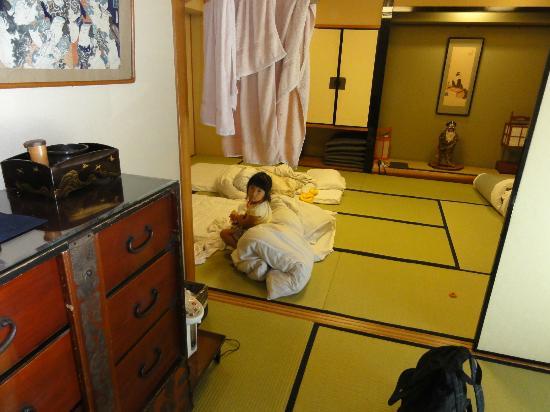 สุเกะโรคุโนะยะโดะ ซาดาจิโยะ: room