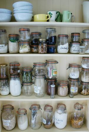 Sunderland House: Jars in the kitchen