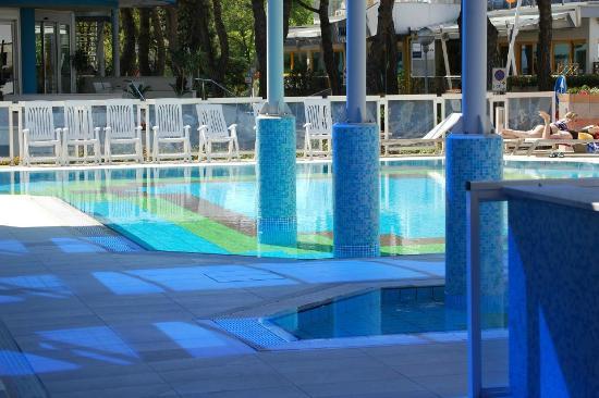 San Michele: piscine