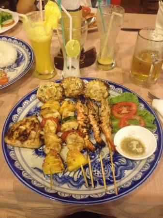 Hoang Vu: BBQ SEAFOOD on plate