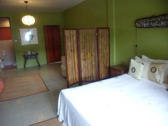 Elliebum: Our room.