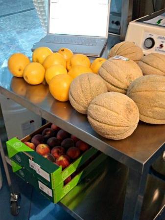Gelateria Verona: Frutta frutta e ancora frutta (NIENTE sciroppi o preparati)