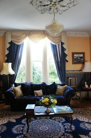 Lisburn House: Living room