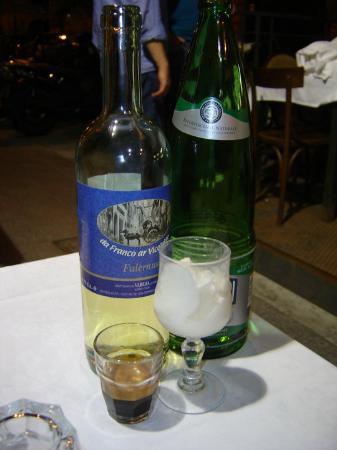 Da Franco Ar Vicoletto : 1 bottiglia di vino a consumo+ acqua e sorbetto