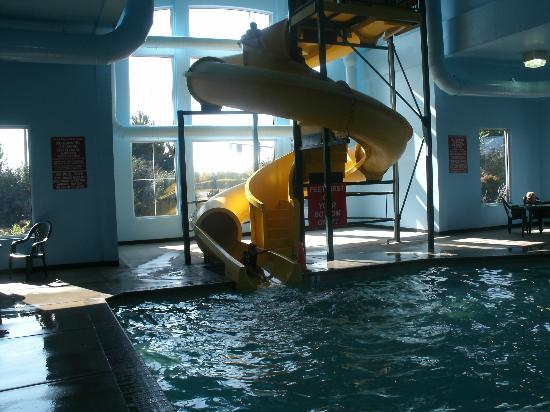 Super 8 Central PT Medford: Water Slide!