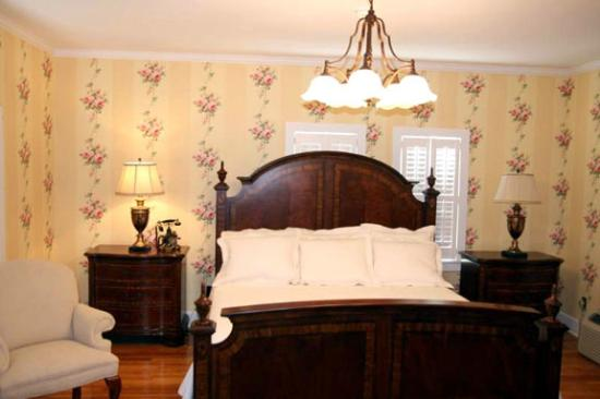 Pikeville Historic Mansion Bed & Breakfast: Dills Room