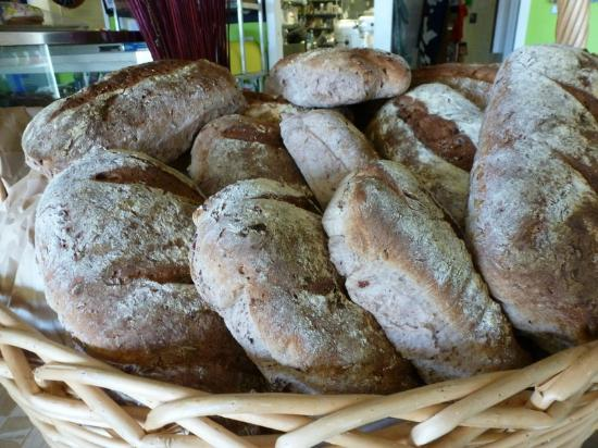 Heidi's Kitchen Cafe : Fresh made breads 3 days a week , Breakfast and Lunch