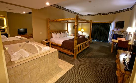 Great Wolf Lodge: Whirlpool Fireplace Suite